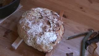 Brotbacken im DUTCH OVEN am Lagerfeuer ganz einfach