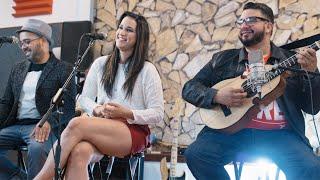 Juan Luis Guerra / Medley: Burbujas de Amor, Amor de Conuco, Como Abeja al Panal