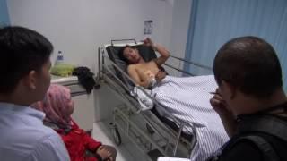 <b>Dua Korban Gempa Padang</b>