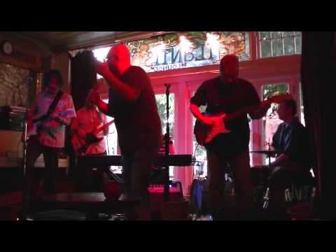Hydrangeas live at Mississippi Pizza