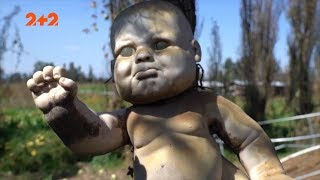 Українське село тероризує жива лялька