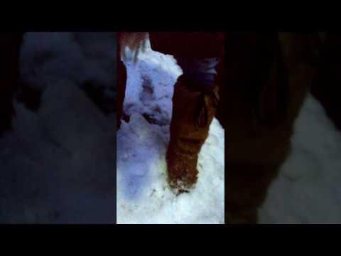 Schneestiefel im Schnee