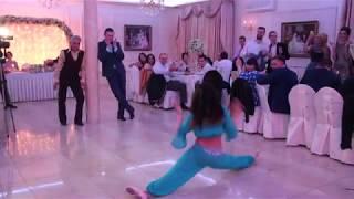 Шок жениха от танца живота невесты/Shock of the groom from the dance of the bride