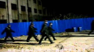 郑州市二七区强制拆迁 泼满汽油自焚抵抗现场录像.avi