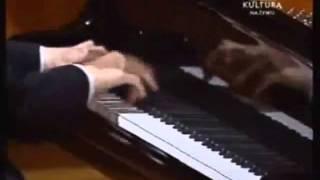 GANADOR DEL CONCURSO MUNDIAL DE PIANO 2005