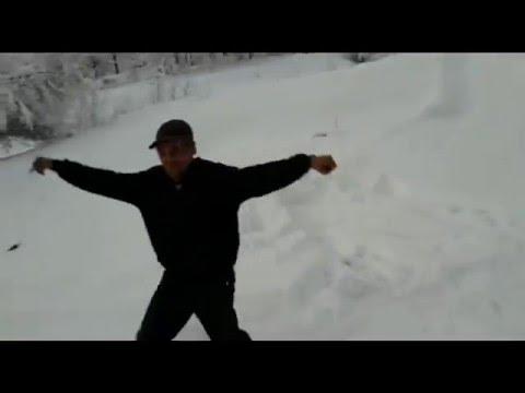 Горячие кавказские танцы в снегу/Hot Caucasian dances in the snow видео