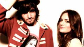 Angus and Julia Stone -- Heart Full of Wine (LYRICS)
