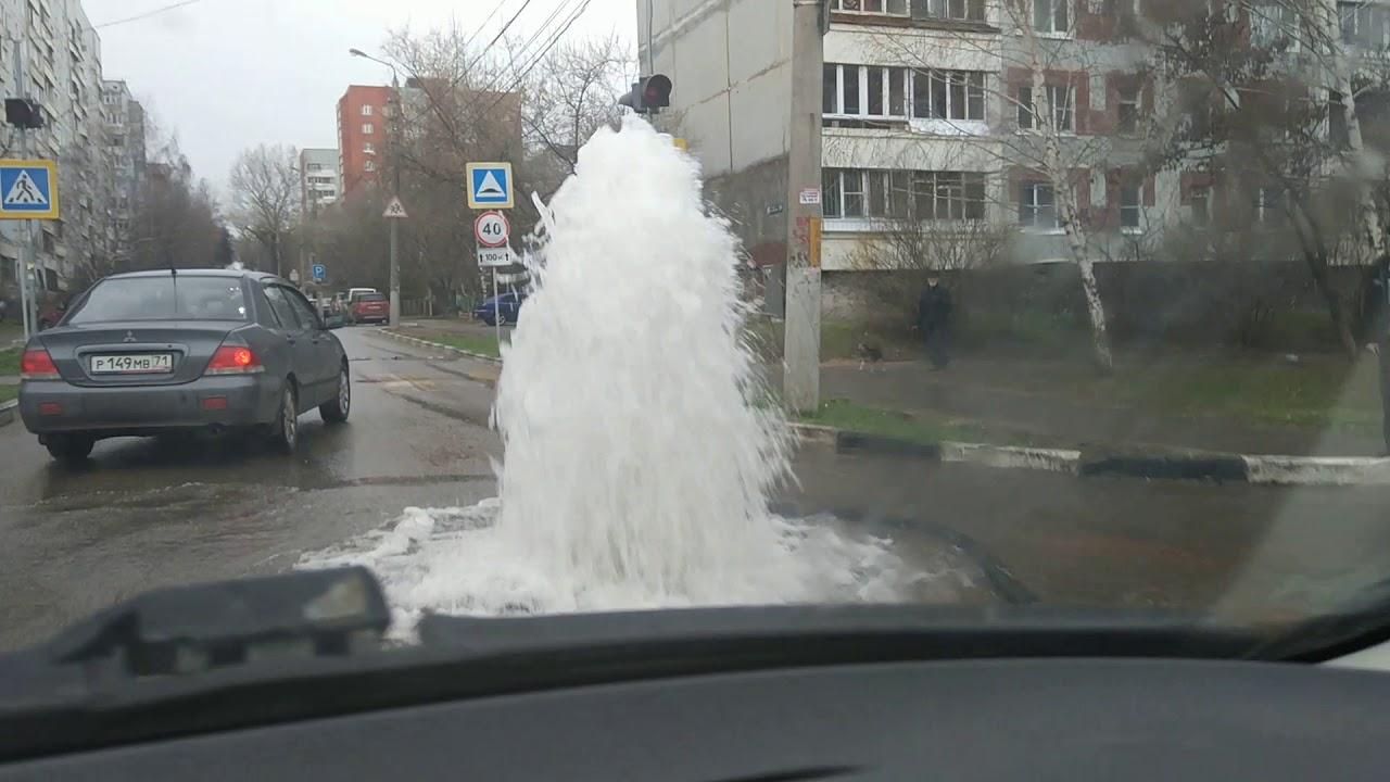 Фонтан на дороге в Туле