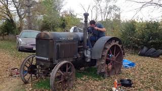 Запуск старого трактора