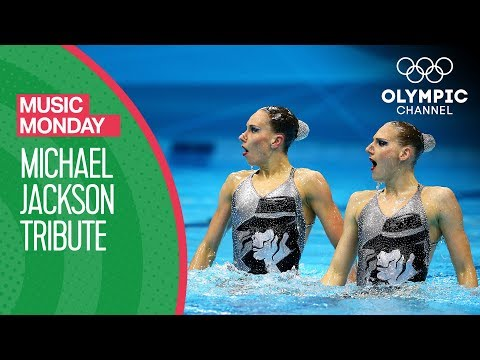Synchronized Swimmer Duet Gives Tribute to Michael Jackson