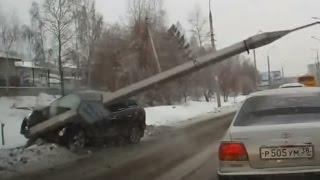 Осторожно придурок на дороге!!! Аварии, которых могло не быть