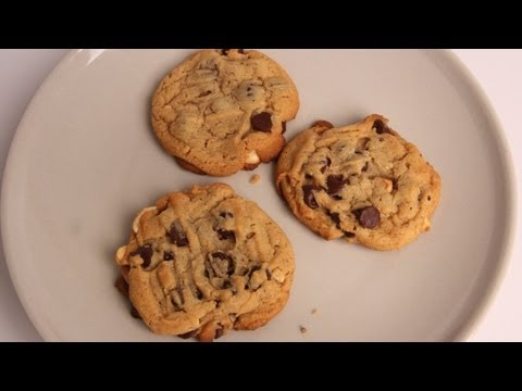 Chunky Chocolate Peanut Butter Cookies Recipe – Laura Vitale – Laura in the Kitchen Episode 335