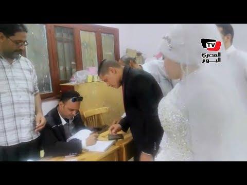 بـ«الفستان والبدلة».. عروسان يدليان بصوتهما في الانتخابات بـ«بني سويف»