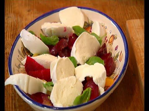 Салат из запеченной свеклы а ля капрезе