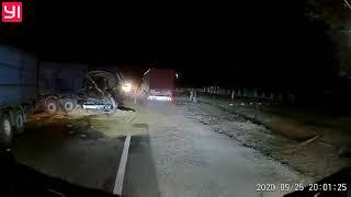 Под Николаевом столкнулись две фуры: трасса Н-11 практически заблокирована