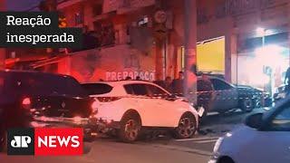 Comerciante reage a assalto e mata dupla de bandidos em pizzaria de São Paulo