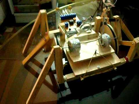 Araña Robotica  con sensor de luz .yessid.