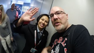 Travel to San Francisco Day 1, Fans at the Airport, TGI Friday's Food Review - Ken's Vlog #350