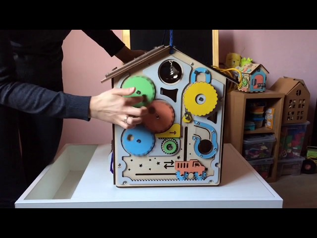 Видео Бизиборд дом Приключение монетки (40х35х35см.)