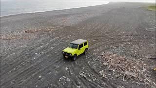 空撮 新型ジムニー JB64 サーフを4Lでまったり走行 海岸を走行  ドローン動画