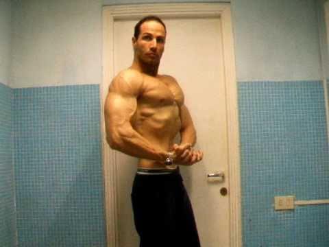 Dieta per perdita di peso e riduzione di volumi di uno sport del corpo