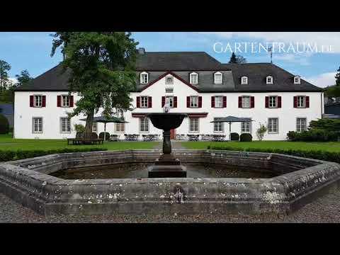 Großer Kaskadenbrunnen - Beispiel für stilvolle Gartenelemente