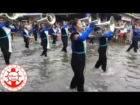 , title : 'Русские моряки на параде  в Таиланде'