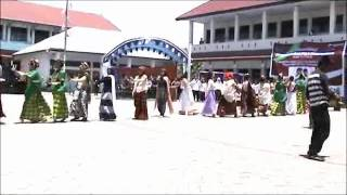 preview picture of video 'KOMIK SALIS Parade Sanggar Seni SMA Negeri 1 Sungguminasa'