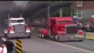 """Невероятные аварии грузовиков на гонках"""""""""""