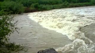 preview picture of video 'Powódź w Polsce 2010 rzeka Wisła'