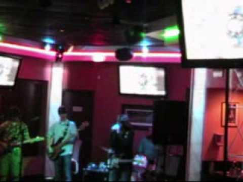 Dirty Bomb @ Bar None.wmv