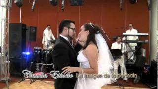 preview picture of video 'Tuxpan Ver boda vals eduardo y daniela.mpg'