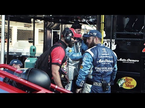 Kyle Busch-Martin Truex wreck in 2017 Indy leads to NASCAR crew fight