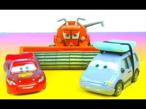 Disney Pixar Cars Lee Roy Goes To Radiator Springs Lightning McQueen Tractor Trippin' Frank Collosus