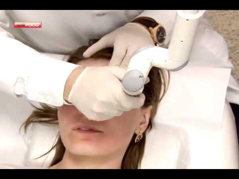Le moyen efficace des oedèmes autour des yeux