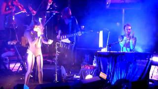 Bat For Lashes - Trophy - Live