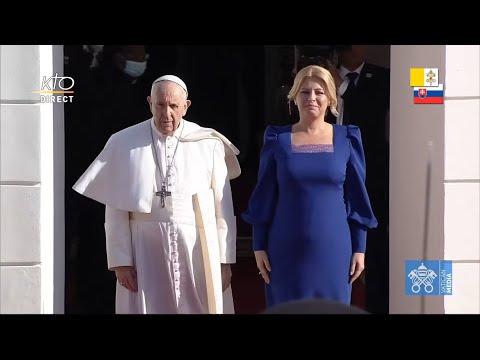 Cérémonie de bienvenue du pape François au Palais présidentiel de Bratislava
