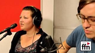 Anna Naklab - Supergirl [live@] acoustic