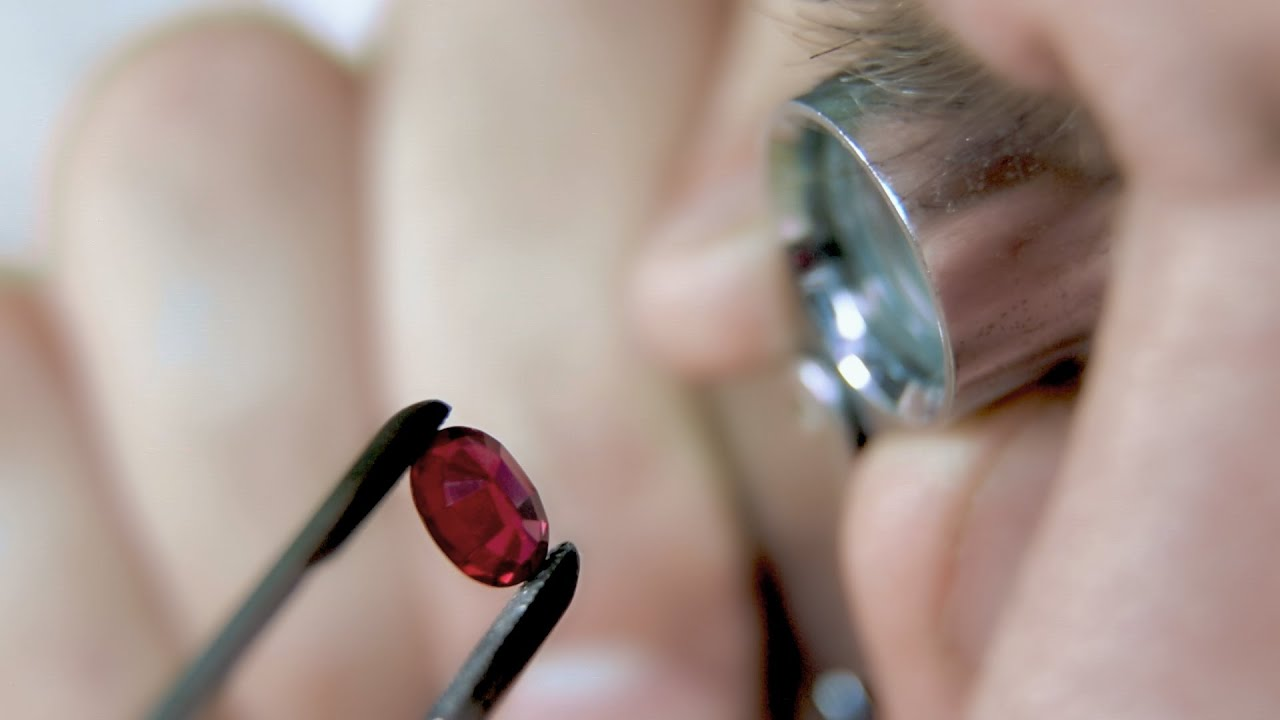 Gemstones: diagnostics and expertise. Trailer
