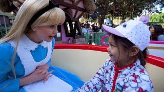 We Have Our Own Mad Tea Party With Alice At Disneyland [Ride On Tea Cups] - Fastpass 2 Fun