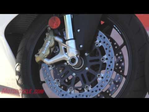 2013 MV Agusta F3 675 vs. 2012 Triumph Daytona 675R