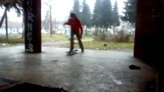 preview picture of video 'Xperia x8 skate edit'