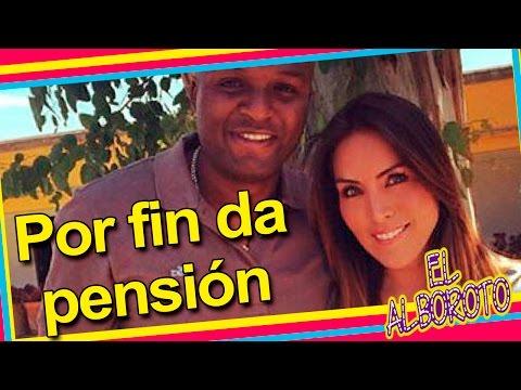 Por fin Karla Pineda recibe primer pago  de Aquivaldo Mosquera