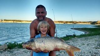 При ловле рыб из семейства карповых