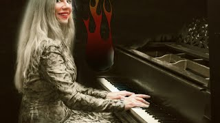 Bach 15 Two-Part Inventions on a very old piano :) Valentina Lisitsa