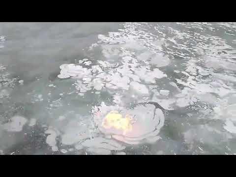 Огонь из-подо льда Байкала