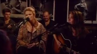 Matraca Berg & Trisha Yearwood – XXX's and OOO's (An American Girl) (Live)