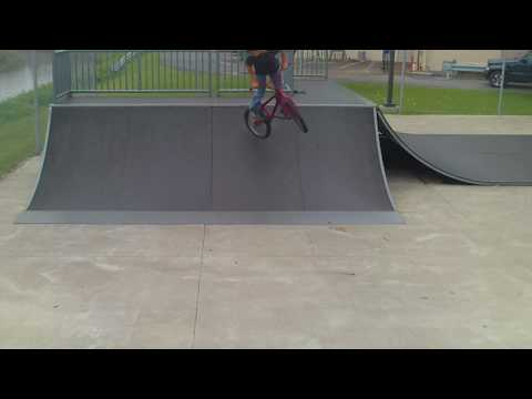Dubois Skatepark 360 to fakie