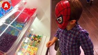 Spider-Man Adam va au Cinéma pour regarder Dessin Animé Angry Birds