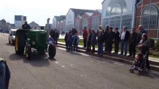 preview picture of video 'Défilé de tracteurs SFV (Société Francaise Vierzon) à Vierzon du 21 AVRIL 2013'